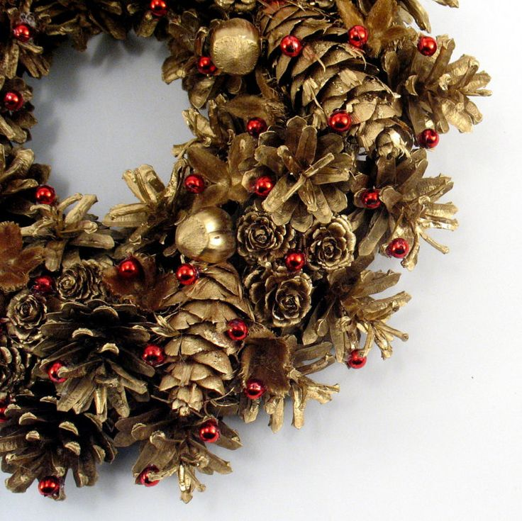 Christmas Wreath Nuts and Pinecone Wreath Gold by ZielonePalce