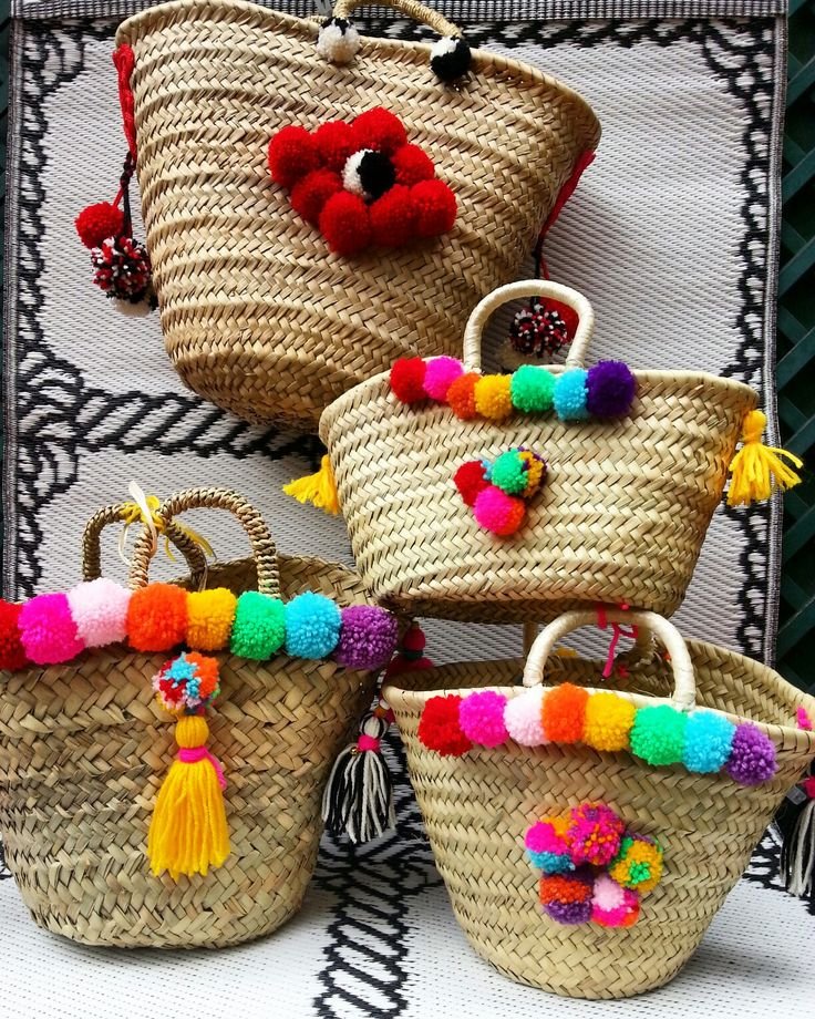 #straw #rainbow #tote #neon #pink #yellow #tourquoise #green #violet #yellow #red #black&white #summer #town & #beach #pompom #tassels #chimes