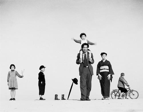 写真家・植田正治 (Ueda Shoji) - 砂丘 l photographer (japanese)