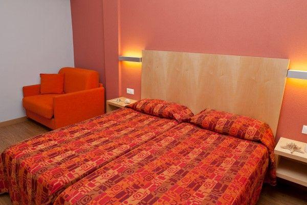 Kronos Hotel Room