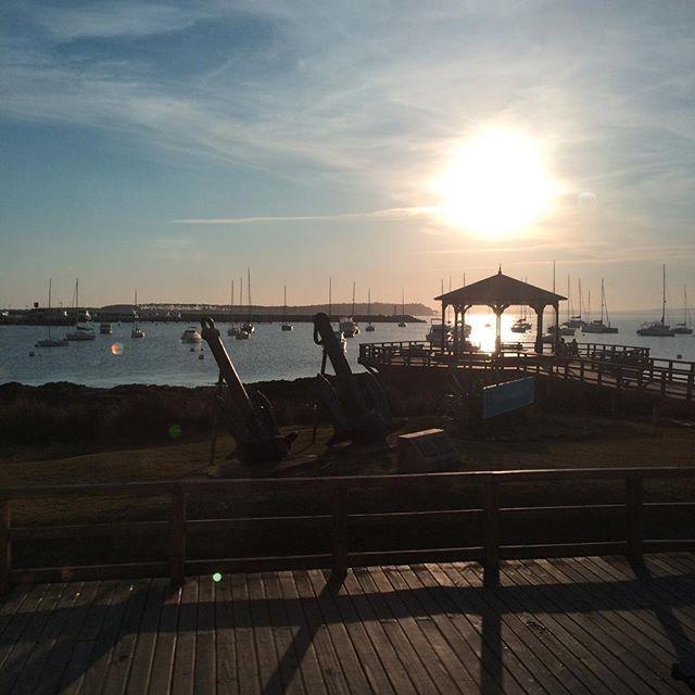 Como hoje é o dia do beijo, nada mais justo que falar de lugares românticos, e nem precisa ir muito longe. Punta Del Este no #Uruguai é puro charme para assistir um pôr do sol em companhia ou até mesmo sozinho! ;) Mas prepare o bolso, pois a cidade é um pouquinho careira!  #Nósfomos #Nósrecomendamos #Nósamamos #trip #travel #PuntaDelEste #Uruguay #AméricaDoSul #SouthAmerica #aroundtheworld #Viagem #Moments #Sunny #Romanticplaces #Nature #seviranomundo