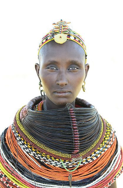 www.cewax.fr aime ce collier multi rang perles style ethnique tendance tribale orange jaune noir KENYA