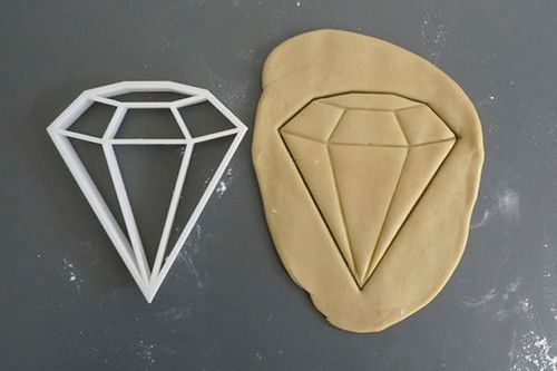 Big diamond cookie cutter, 3D printed ($12.51) // Printmeneer