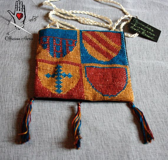 Reproduction of medieval heraldic bag by TalesOfEmbroiderie