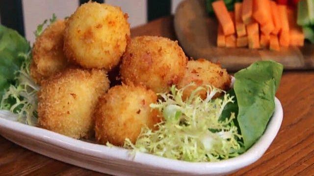 Картофельные шарики с сыром - пошаговый рецепт