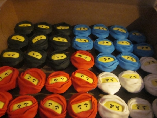 ninja cupcakes, I am so doing this for my sons birthday!!