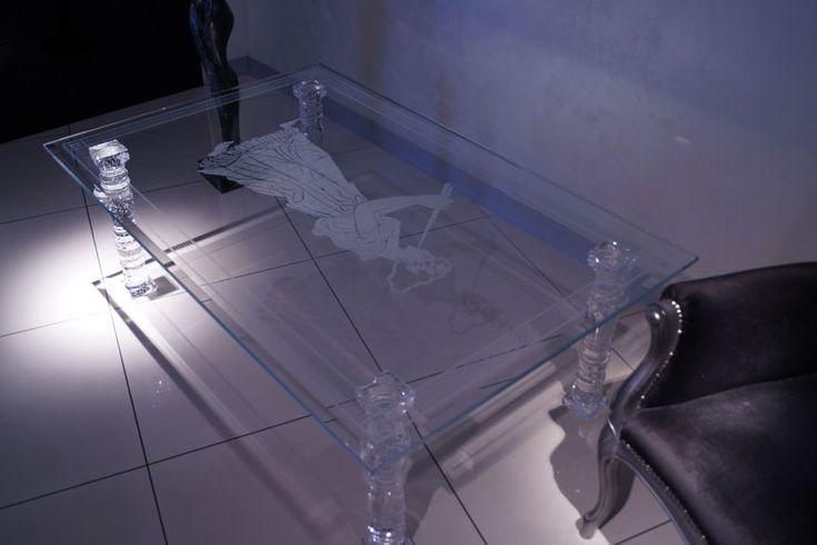 TABLE EN VERRE TB-01 | SZKLO-LUX Jaroslaw Fronczak - SZKLO - LUX Jaroslaw Fronczak | Gravure laser 3D à l'intérieur du verre