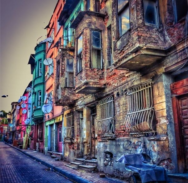 Hafta Sonunu Sokakta Geçirmenizi Sağlayacak 18 İstanbul Fotoğrafı http://listelist.com/instagram-istanbul-fotograflari/ @Listelist aracılığıyla