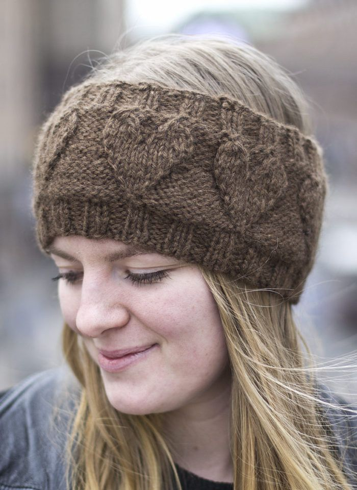 Free Knitting Pattern for Heartsome Headband - Simple earwarmer with embossed hearts. 2 sizes. Available in English and Swedish. Designed by Linnea Ornstein