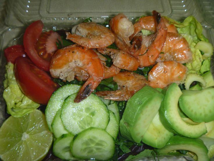 Ensalada de camarón Ecuatoriano Menú para despacho diario