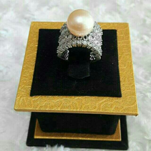Saya menjual Cincin mutiara tawae seharga Rp150.000. Dapatkan produk ini hanya di Shopee! https://shopee.co.id/saesempuru/263899280 #ShopeeID