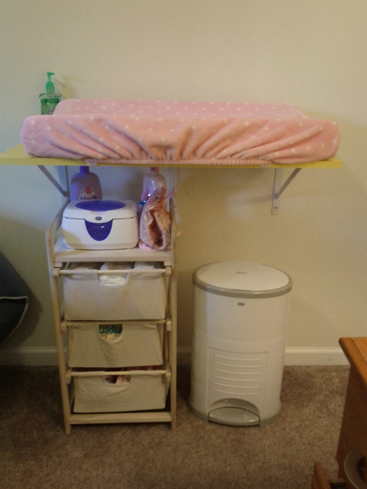 Diy changing table for a small space baby pinterest changing tables spaces and small spaces - Changing table for small spaces gallery ...