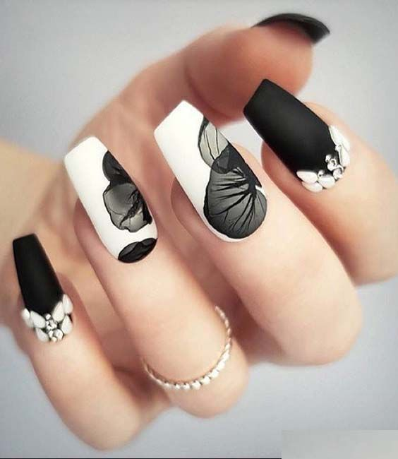 Gorgeous ideas of beautiful black and white nail art designs and pictures to wear in 2018. See here if you're looking to wear best and cute nail arts to sport in 2018. As we know the nails are the sign of beauty and women always seek for fresh nail ideas to wear.