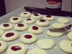 Momento dulce: galletas de leche condensada y maicena. Receta disponible en http://laalacenademo.es/recetas-thermomix/reposteria/galletas-leche-condensada-maicena/49/