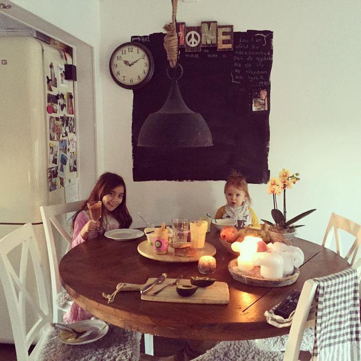 God morgon från casa O'Brien's. Idag dricker barnen goda blandningar ifrån bara bra juice menyn! #barabrajuice #frukost #avokado #juice #seasampasta #aprikoskärnor #healthyeah