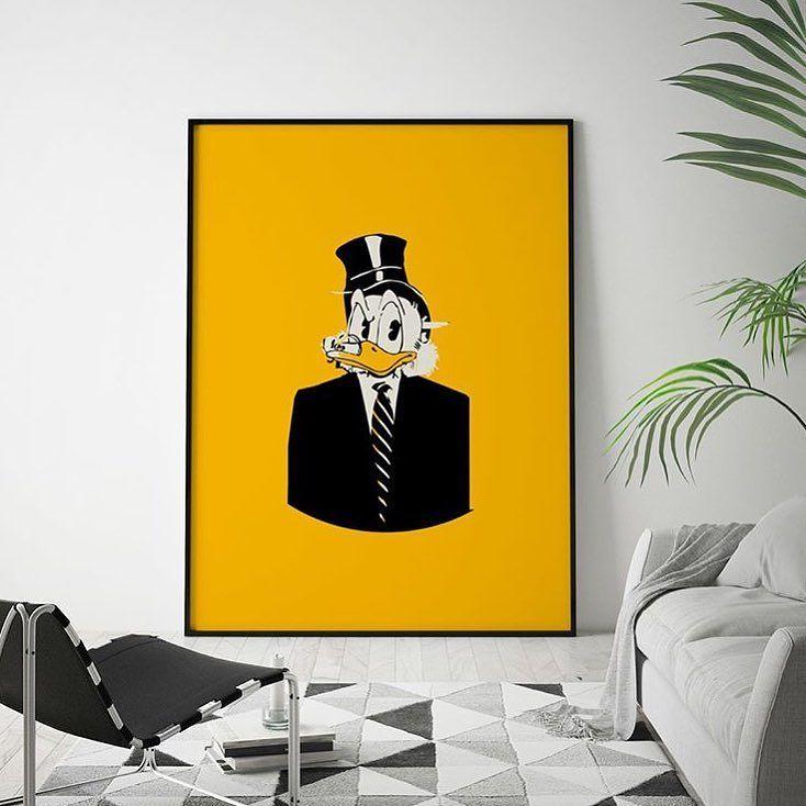 """""""Man blir ikke rik av de pengene man tjener men av dem man ikke bruker"""" Onkel $krue også kjent som verdens rikeste and."""