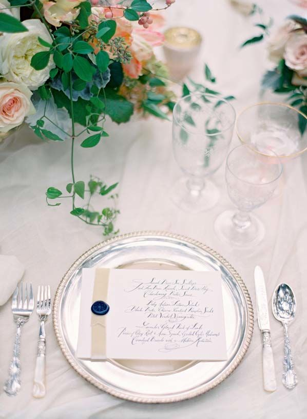 pretty table setting via once wed