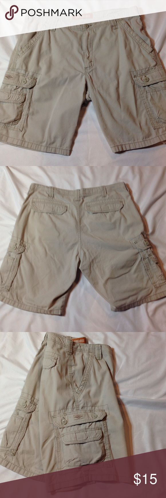"""Lee Dungaree shirts Great condition cargo shorts. Worn only couple times. 100% cotton. 8 pockets!! Length 20"""" inseam 10"""" waist 34. Lee Dungarees Shorts Cargo"""