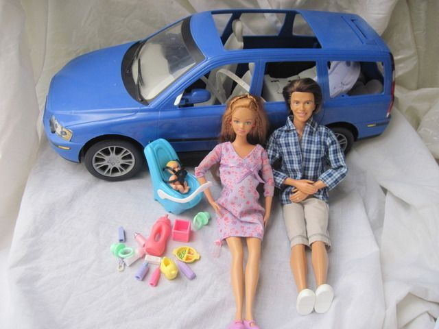 Happy Family Pregnant Barbie Baby Volvo Car Seat Alan