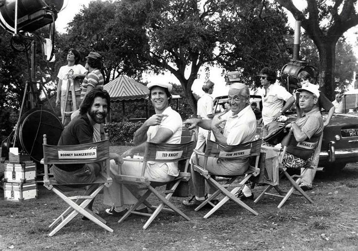 (80s) Jon Peters Chevy Chase Ted Knight and Rodney Dangerfield on the set of Caddyshack
