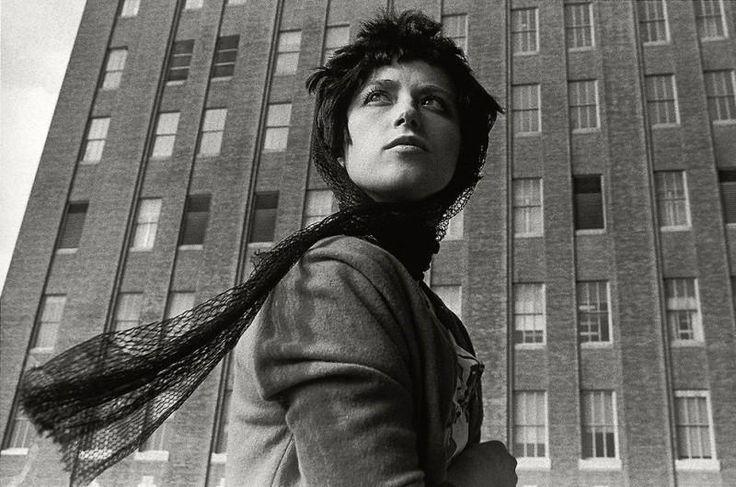 Самые яркие фото-образы Синди Шерман • НОВОСТИ В ФОТОГРАФИЯХ