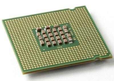 PROCESADOR: El procesador  es el cerebro del PC. Sus funciones principales incluyen el manejo del sistema operativo, la ejecución de las aplicaciones y la coordinación de los diferentes dispositivos que componen el equipo.