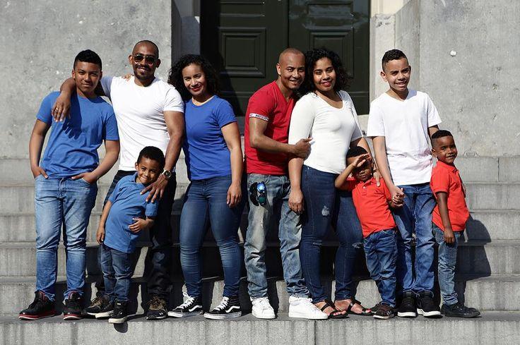 Family together we have it all! - #project365 #day190 #photochallenge #julyninth #ninth #negen #countingon #familie #familiefoto #fotograafdordrecht #fotograafzuidholland #photographer #dk_photography #portraitphotographer #familyphotography #portretfotografie #photo #pic #capture #moment #photodaily #photogram #instagood #feelgoodphoto #geefjullieookop #fotoshoot #groepsfoto #groepsfotografie