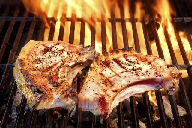 How to Cook Pork Steak on a Propane Grill