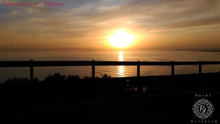 www.hotelbjvittoria.it #cagliari #villasimius #mare #beach #estate #summer #tramonto #sunset #photo #tantocaldo #hot #sole #acqua #riflessi #hotelcentrocagliari #