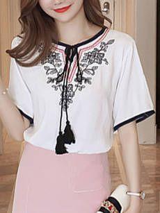 Round Neck Contrast Trim Tassel Embroidery Short Sleeve T-Shirt