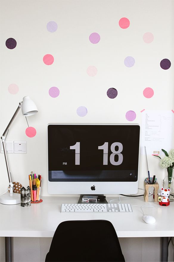 Spruce up a dorm room or small space with DIY polkadot walls!