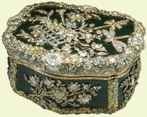 A Diamond Snuff Box, 1770. Over three thousand diamonds backed in silver, pink and yellow foil adorn this bloodstone snuff box. German in origin, the box was made for Frederick II of Prussia who had a collection of over three hundred snuff boxes.