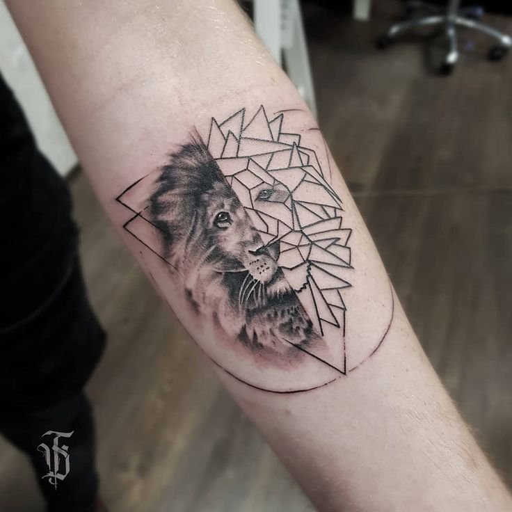 Cute minimal from yesterday . . . . . #tat #tat2 #tattoo #tattoos #tattooed #lio…