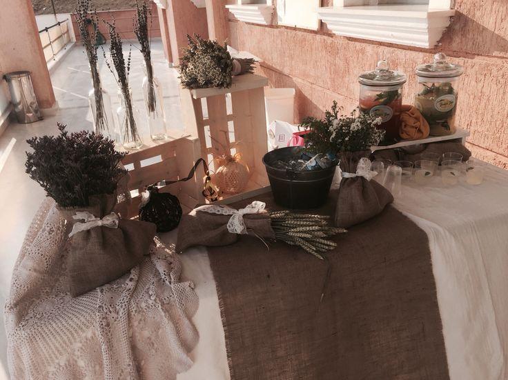 Στολισμος γαμου με αγριολουλουδα, λινατσα & δαντελα..