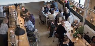Bier uit eigen brouwerij bij Brouwerij MAXIMUS, Utrecht, de Meern. Ook voor koffie en appelgebak hoor.