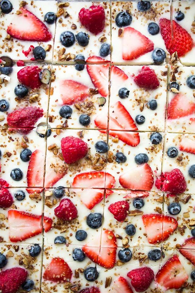 Frozen Yogurt Bark with Berries – Frozen yogurt studded with gorgeous blue and r…