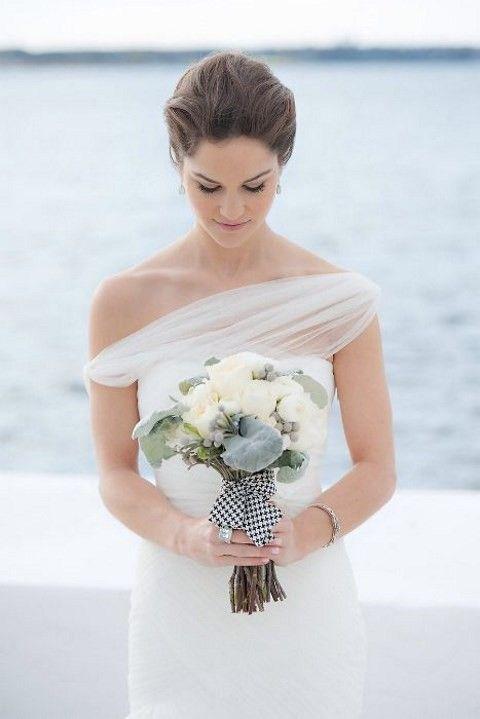 50 Simple Yet Chic Wedding Dresses For Modern Brides   HappyWedd.com
