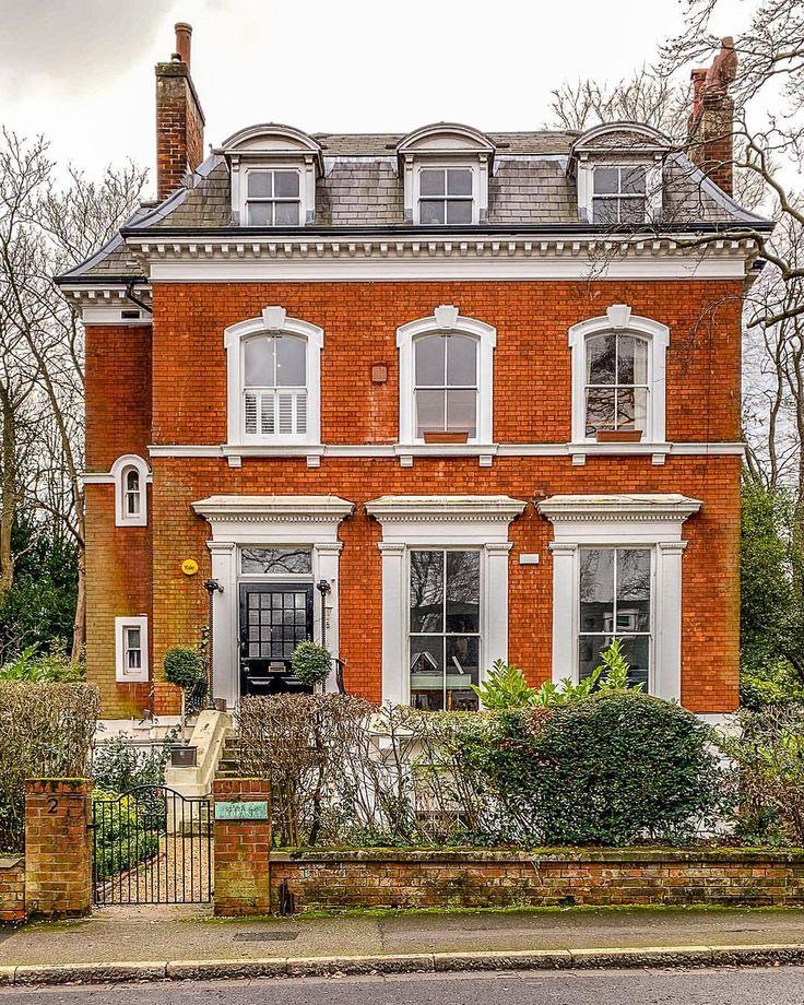 London Apartments Exterior: A Beautiful Brick House In Sydenham, London. Click Through