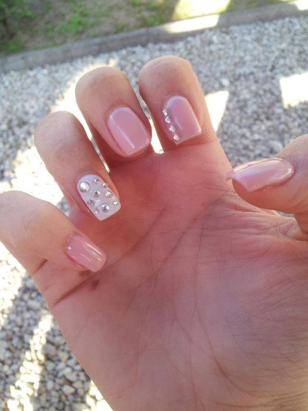 love the rhinestone accent nail! For Valentine's day :)