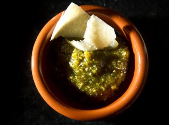 Pesto med basilikum