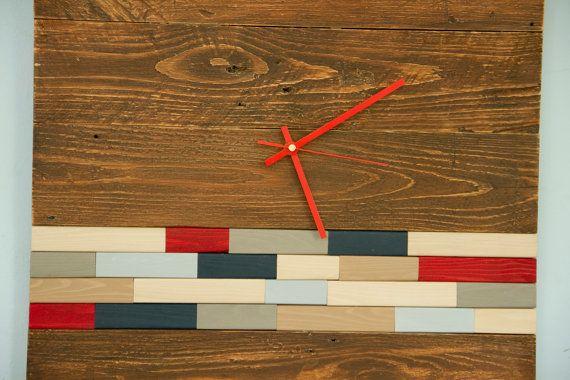 Moderne hölzerne Wanduhr vollständig handgemacht aus Paletten Holz mit Kunst Akzent, kann Paletten Holz paar Nagel Löcher haben, wie das original Paletten Holz wäre, dass bauen, Holz-Stücke handgemalte seitlich oder auf dem Boden platziert werden kann.  Uhr-Größe: 20 x 20 51 x 51 cm auf dem Bild für 16 x 16 Größe müssen Sie Versand-Upgrade erwerben. Parzelle Gewicht kann variieren und Sie werden mit dem Unterschied erstattet. Farbe: Kaffee Farbstoff auf dem Foto Holz Stück Farben: Marine…