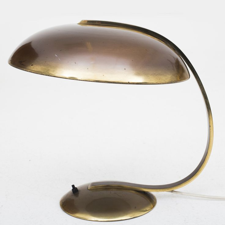Table lamp in patinated brass