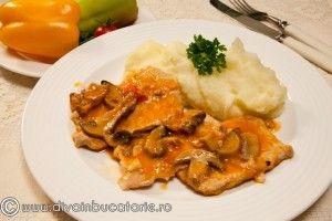 Escalop de porc cu ciuperci si vin - Culinar.ro