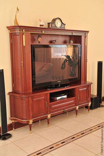 Шкаф-тумба для телевизора. Богатый, стильный и в то же время лаконичный, станет настоящей находкой для Вашей гостиной. Шкаф достаточно вместительный, состоит из двух блоков: первый блок включает в се