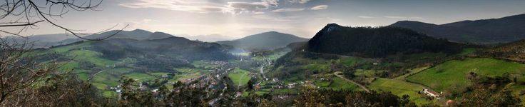 No nos sorprende que nuestros antepasados eligieran este lugar para vivir hace miles de años...Precioso mires donde mires.