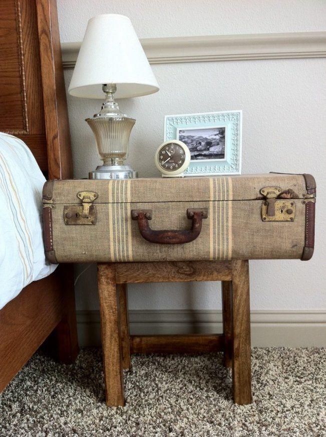 Hier sind 12 unglaubliche Ideen dazu, wie du aus einem alten Koffer etwas Einzigartiges zaubern kannst - rustikaler Nachttisch