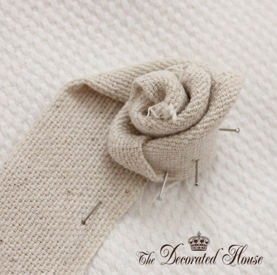 The Decorated House: ~ How To Make a Fabric Flower  ~ ✭Teresa Restegui http://www.pinterest.com/teretegui/ ✭