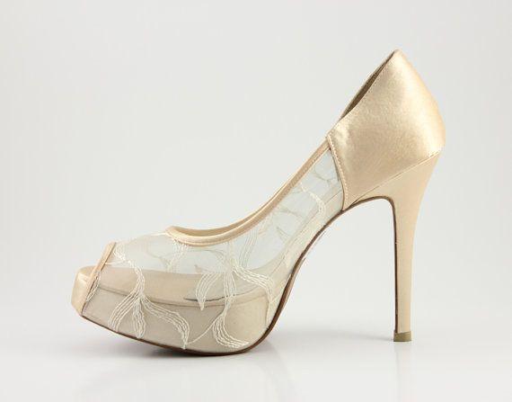 Ivory de encaje melocotón zapatos de boda de encaje por ammiejoyce