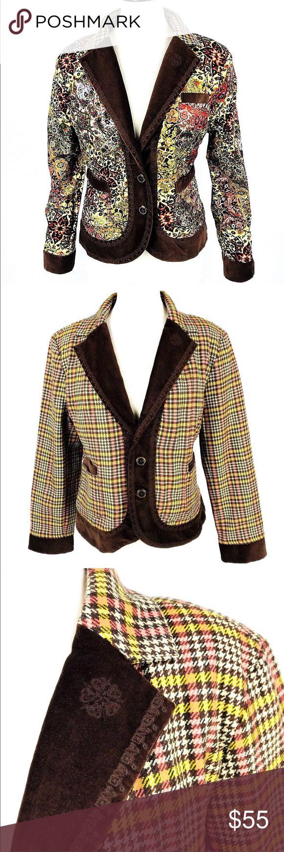 "Reversible Robert Graham Blazer Floral Plaid Reversible blazer by Robert Graham. Plaid houndstooth is wool, floral is viscose.  Measurements: Shoulder to shoulder- 17"" Chest- 44"" Length- 23"" Sleeve- 23"" I-25 Robert Graham Jackets & Coats Blazers"