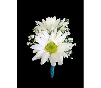 Dancing Daisies boutonniere at Kennedy's